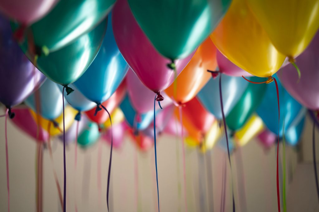 7 Secrets to Throw an Amazing Party On A Shoestring Budget