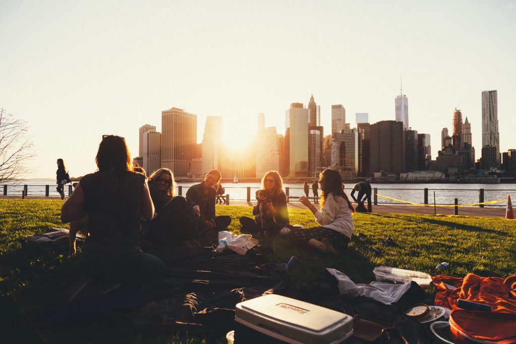 How to Involve Friends When Saving Money